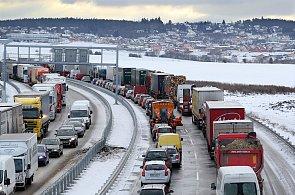 Evropský boj proti emisím aut: Zóny letos zavedli ve Francii i Belgii, chystá se úplný zákaz vjezdu