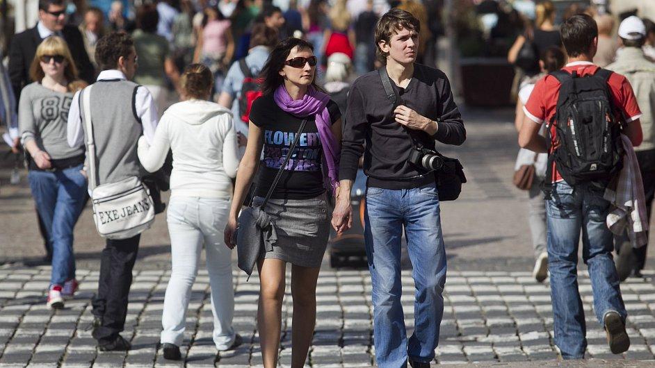 Lidé na Václavském náměstí.