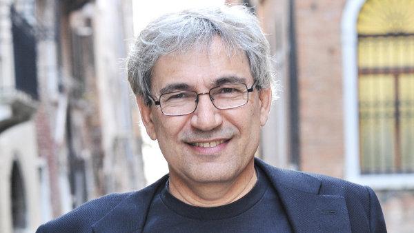 Pamuk se p�idal k iniciativ�, kter� protestuje proti stavb� vodn� n�dr�e Ilisu na jihu Turecka.