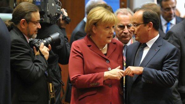 Zatímco země Angely Merkelové zpomalila růst, HDP státu, kterému vládne Francois Hollande dokonce klesá. (Ilustrační foto)