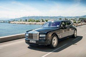 Rolls-Royce láme rekordy. Prodal nejvíc aut v historii a má 120 showroomů