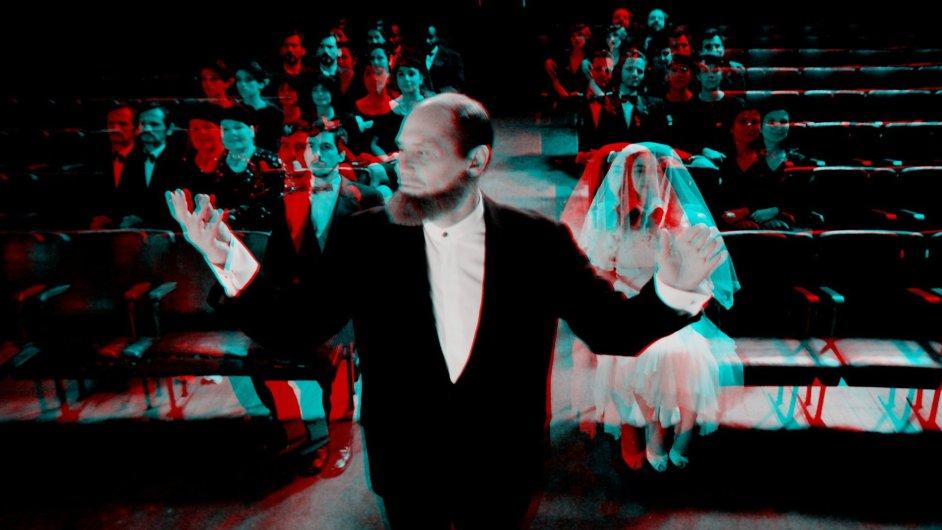 Cinesapiens režiséra Edgara Pery je závěrečnou částí filmového triptychu 3X3D.