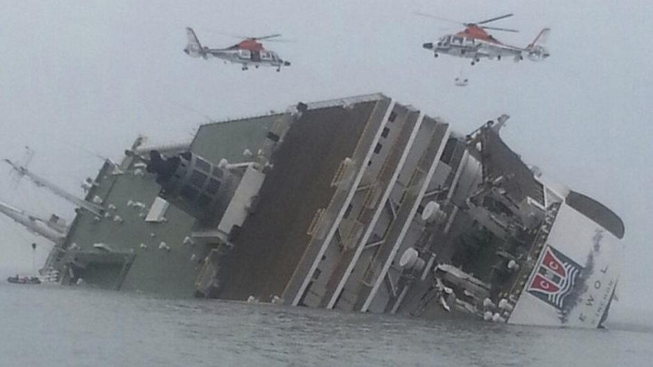 U Korejského poloostrova se potopil trajekt.