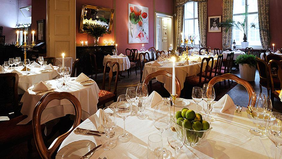 Luxusní romantická restaurace v Pálffly Paláci