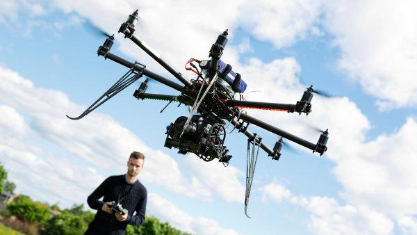 Wal-Mart požádal o povolení pro venkovní testy dronů - Ilustrační foto.