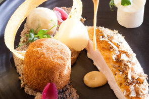 Kuře z Bresse dobylo svět svou jedinečnou chutí i vůní. Stalo se opeřeným symbolem francouzské gastronomie