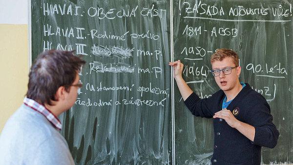 Senát řeší, jak vylepšit platovou pozici učitelů - Ilustrační foto.
