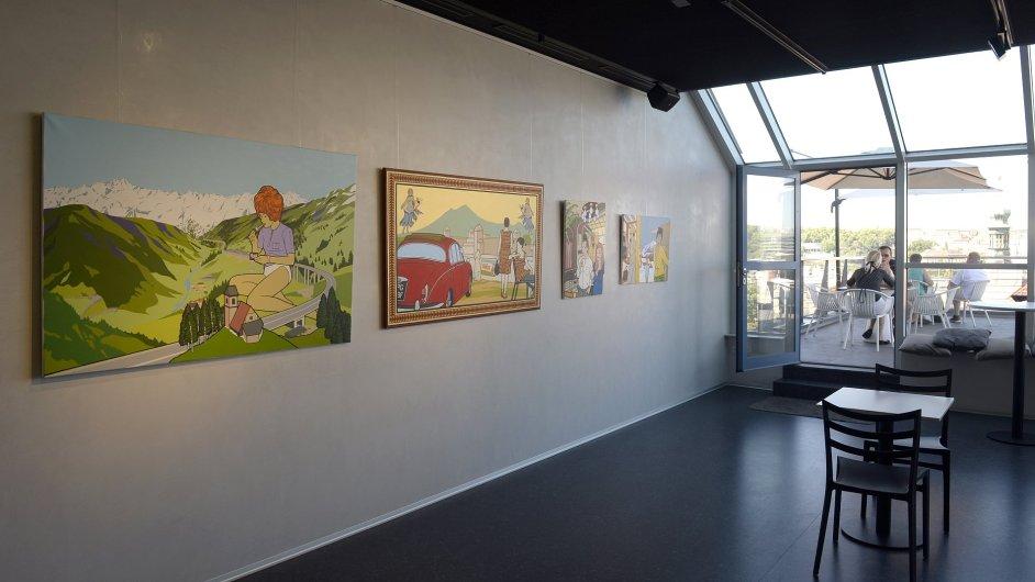 Snímek z výstavy Paula Harveyho v pražské galerii Černá labuť