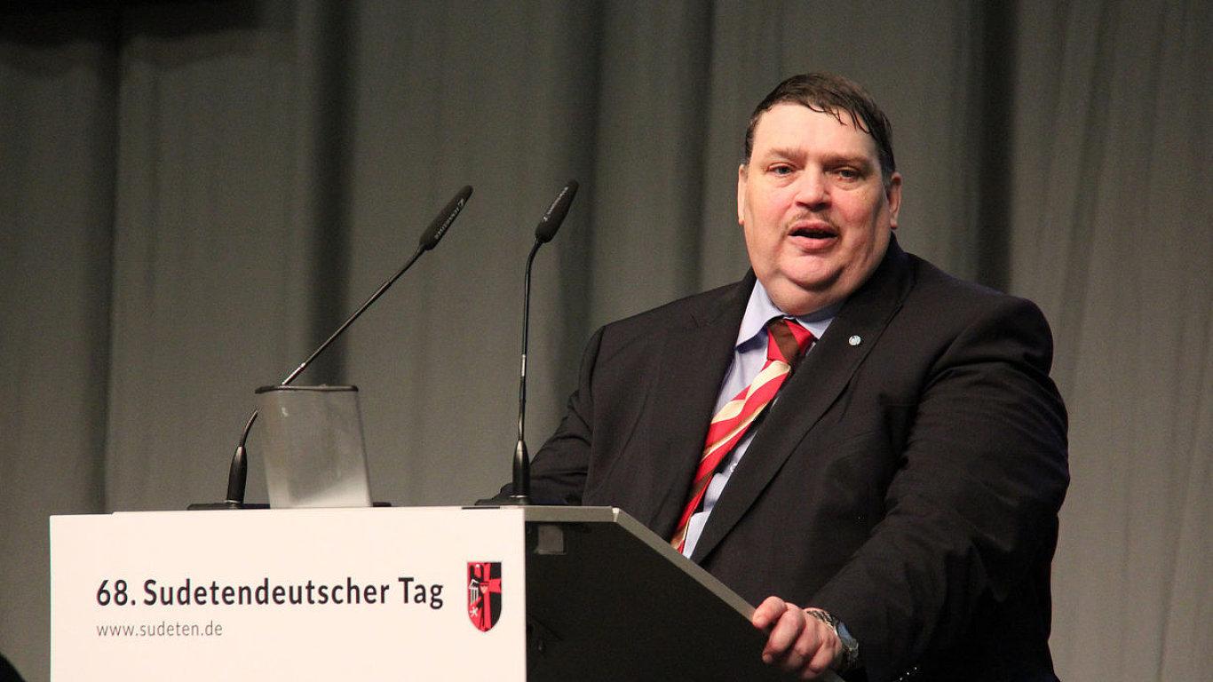 Posselt: Sudetští Němci chtějí stavět mosty mezi Čechy a Němci.