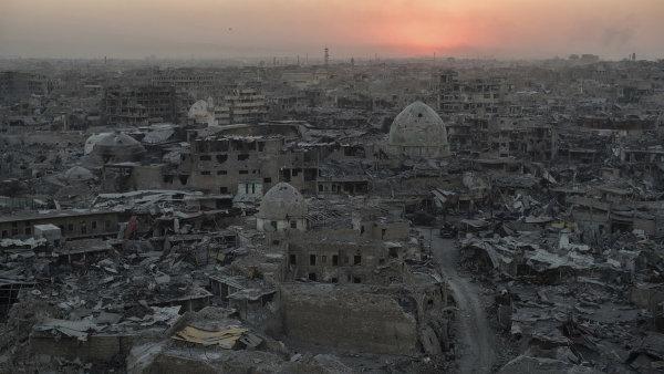 Organizace prochází kritickým obdobím, po devítiměsíčním boji s iráckou armádou se musela stáhnout z Mosulu - Ilustrační foto.