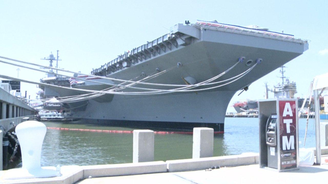 Do služby vyrazilo nejdražší vojenské plavidlo USA, letadlová loď Gerald Ford.