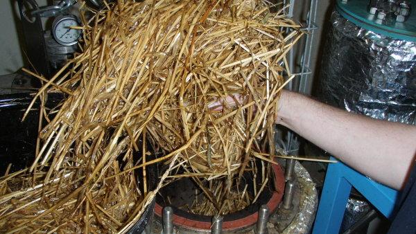 Předúprava zemědělského odpadu