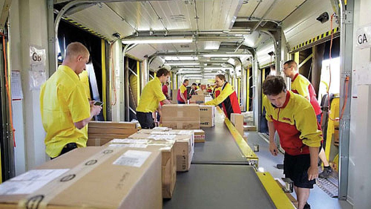 Digitální asistentka Alexa dokáže ihned odpovědět na otázku, kde se nachází zásilka od DHL - Ilustrační foto
