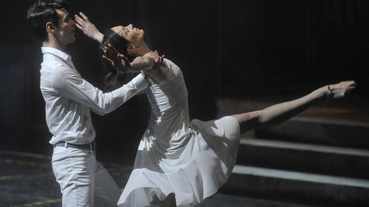 Snímek ze zkoušek inscenace West Side Story na brněnském výstavišti.