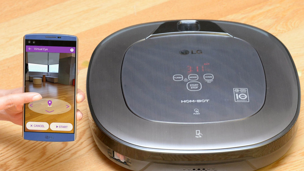 Robotický vysavač LG Hom-Bot Square Turbo+ se dá ovládat mobilním telefonem.