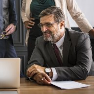 Starší lidé mohou firmě prospět zkušenostmi, ilustrační foto