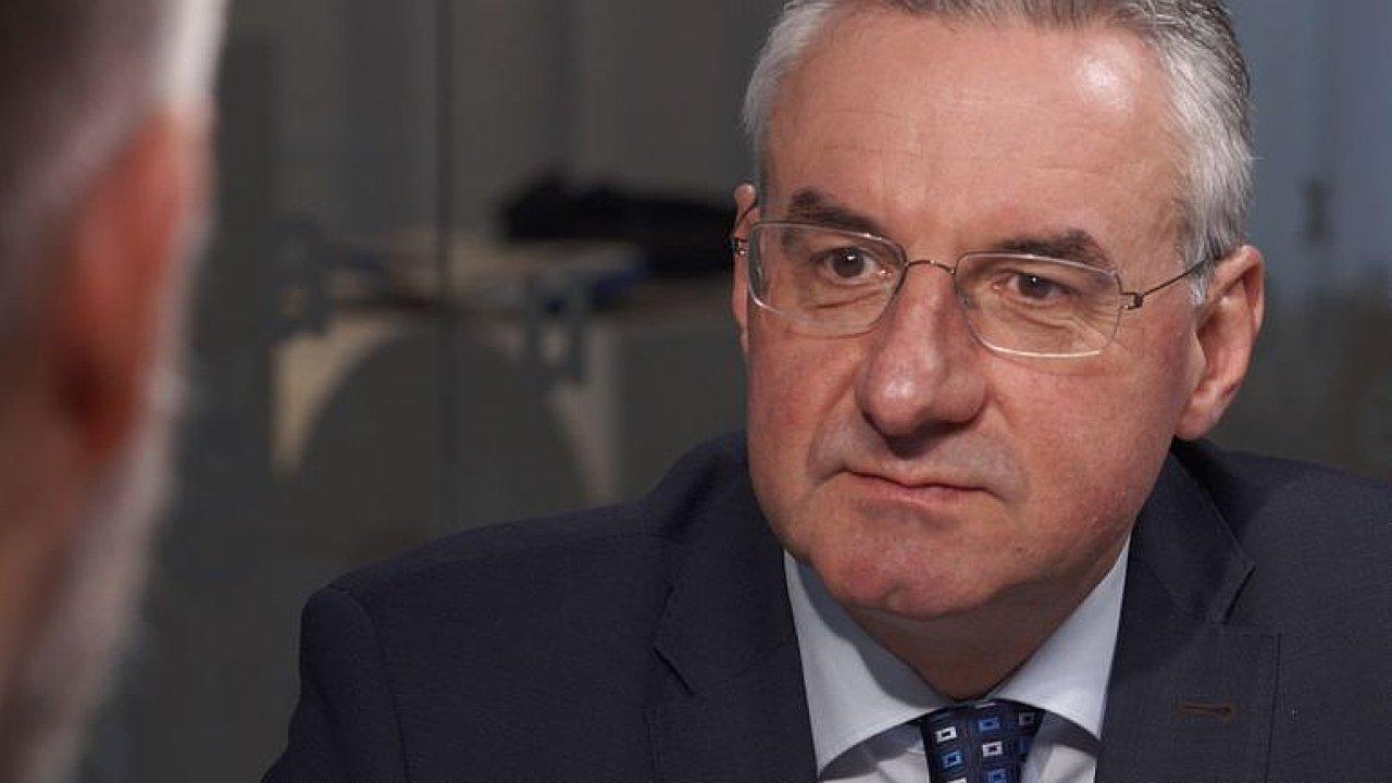 Rád by nahradil Junckera. Nechci EU zničit, ale nechci ani superstát, tvrdí Zahradil.