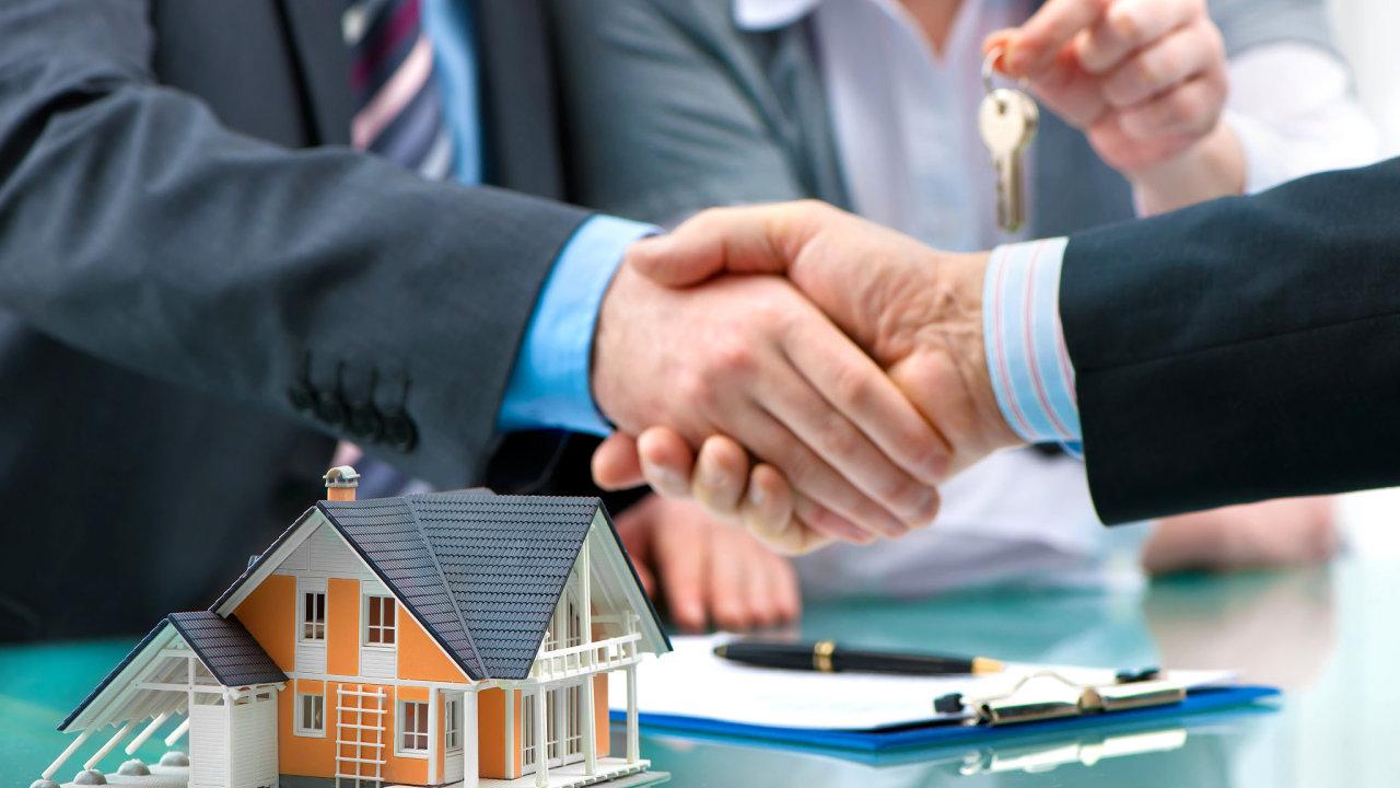 Na hypotečním trhu přituhuje, udržet si hypotéku nebude tak snadné