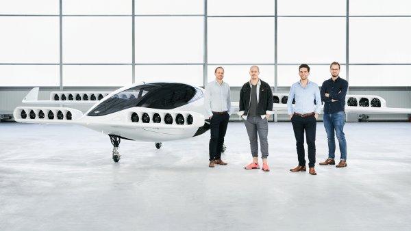 První létající taxislužbu vyvíjí německý start-up Lilium. Jedno taxi už dostali do vzduchu. V budoucnu chtějí bezpilotní leteckou taxislužbu.