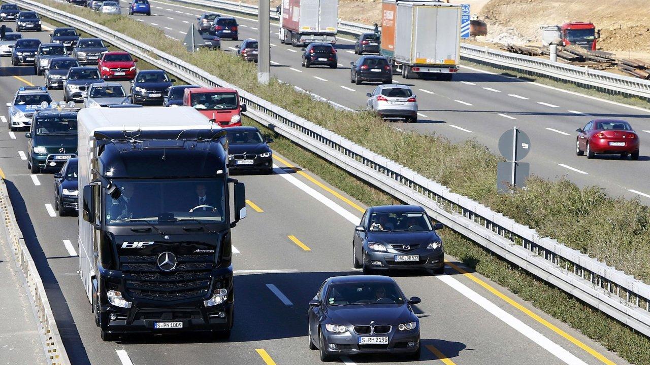 Samořídící kamion od Mercedesu.