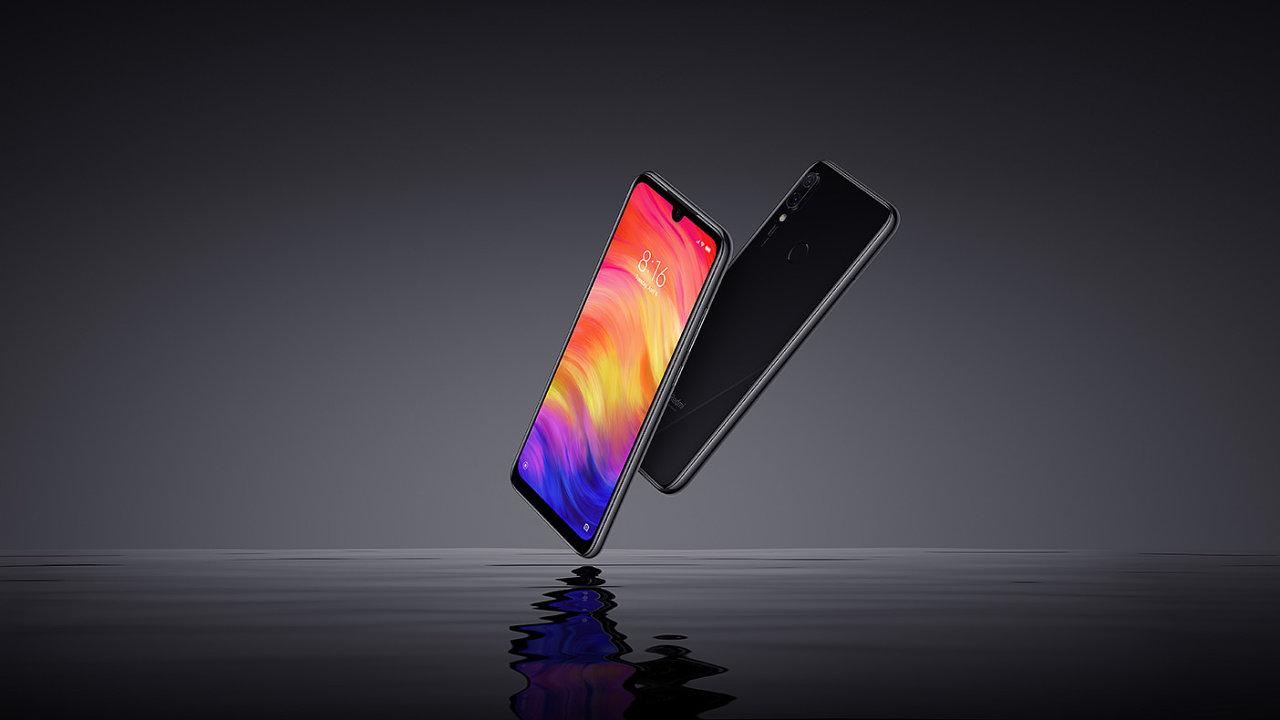 Redmi Note 7 vystupuje jako samostatná značka, stále ale patří pod Xiaomi