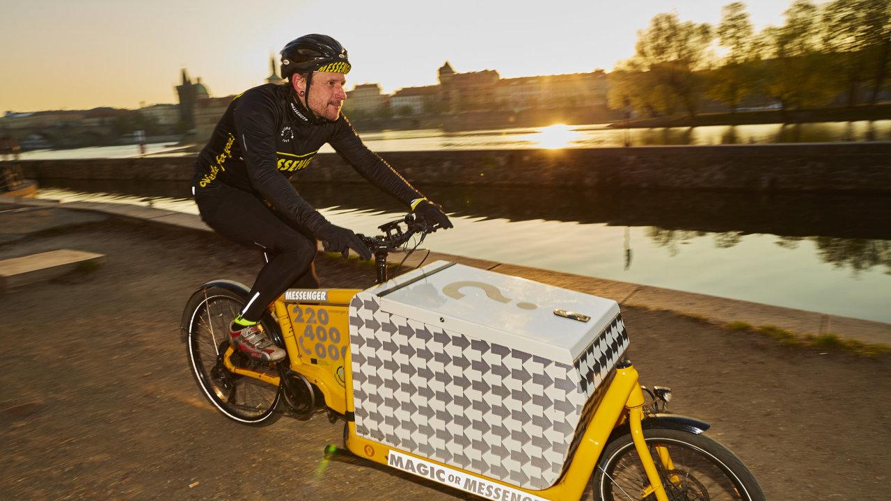 Messenger využívá čtyři nákladní kola v širším centrum Prahy a a čeká na další tři.