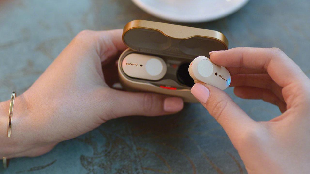 In-ear sluchátka s rušením okolního hluku budou velký trend, Sony má náskok.