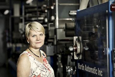 Šéfka a design. Štěpánka Líznerová ve výrobě, které šéfuje azníž vycházejí designové kousky pro trh i soutěže.
