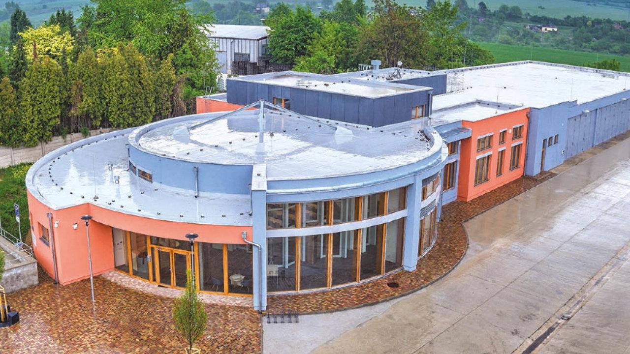 VČesku byl vletech 2006 až2007 vyhlouben vrt vLitoměřicích, který dosáhl hloubky okolo dvou kilometrů. Letos včervnu bylo nedaleko vrtu otevřeno centrum provýzkum geotermální energie RINGEN.