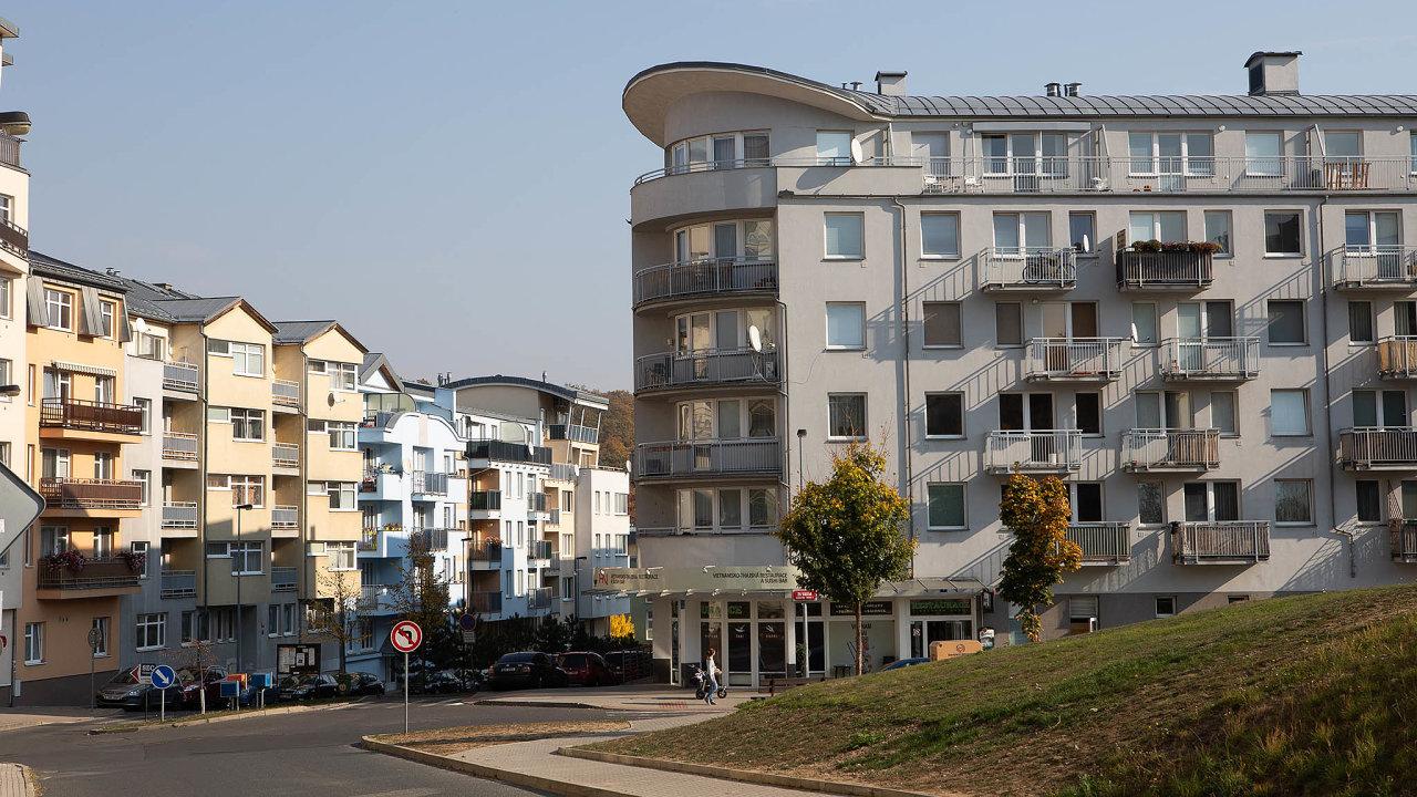 Pořídit si v Česku – a hlavně v Praze – byt na hypotéku je pro stále větší počet lidí problém (ilustrační snímek).