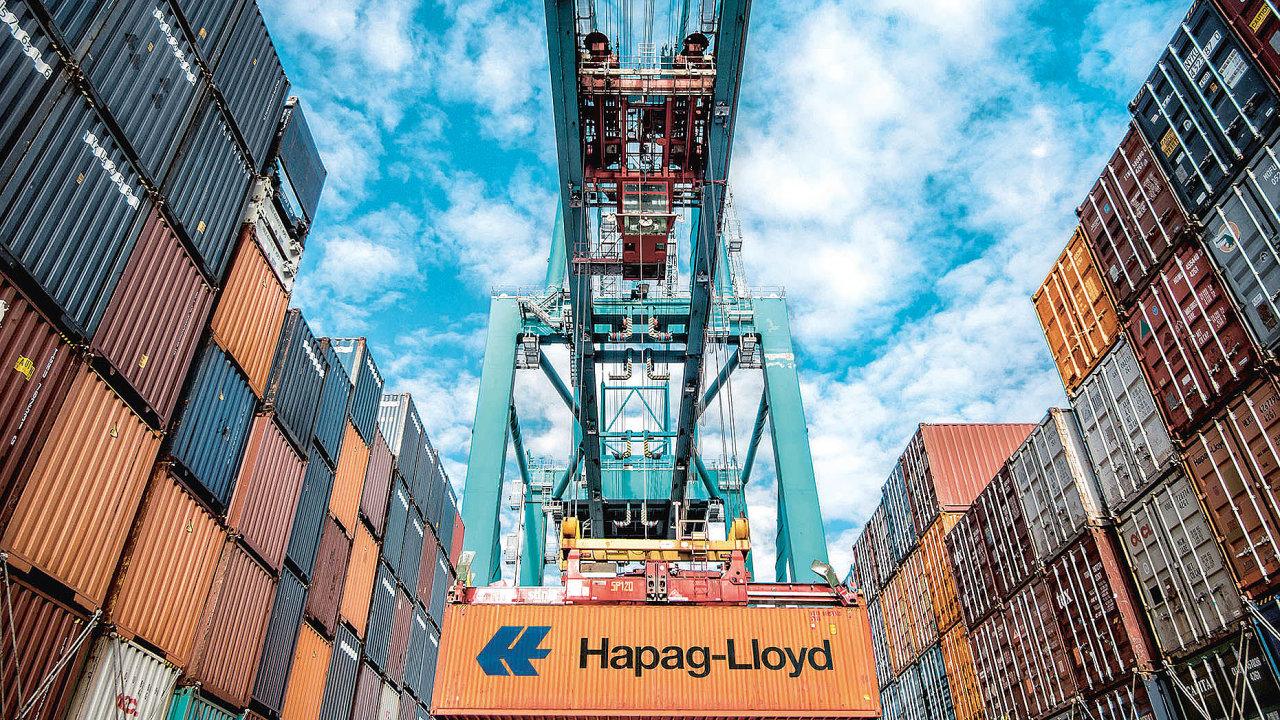 Čtyřka apětka mezi kontejnerovými rejdaři CMA CGM aHapag-Lloyd se účastní obou blockchainových platforem– TradeLens iGSBN. To může paradoxně způsobit tlak najejich propojení atím ivětší zapojení technologie ...