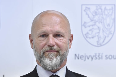 Petr Angyalossy (56): Odstředy nový předseda Nejvyššího soudu.