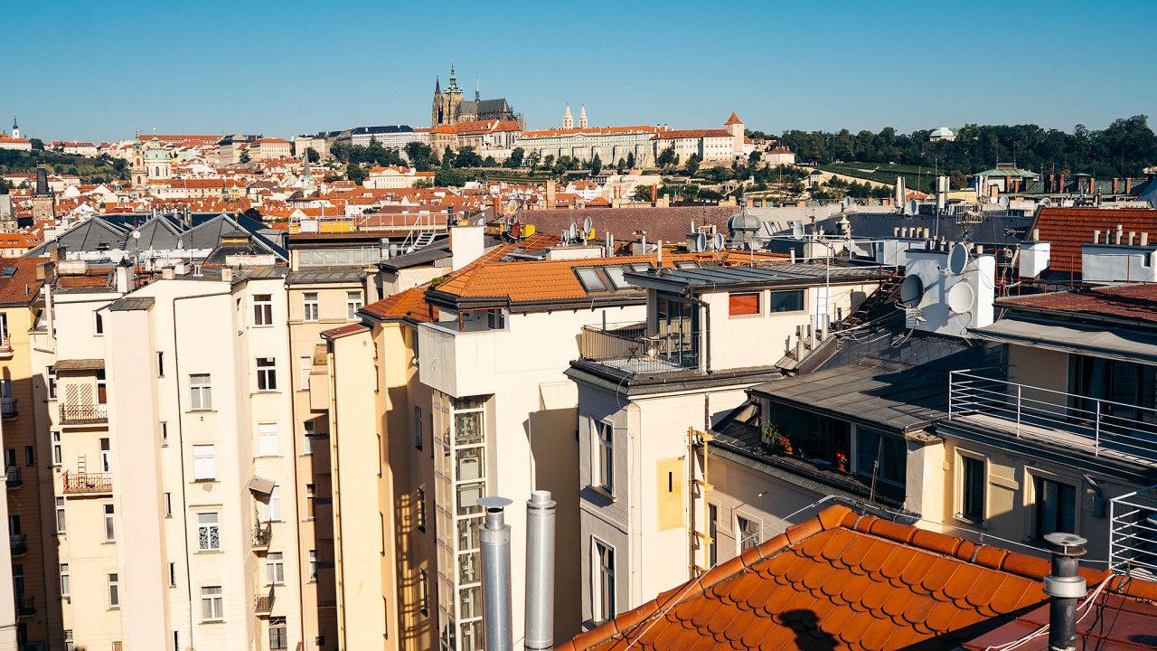 Většina investorů pražské byty kupuje, aby je následně pronajímala.