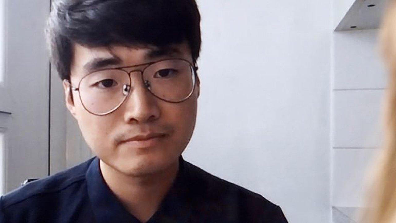 V Číně mě ocejchovali jako pasáka a mučili, z cesty do Česka mám obavy, říká Cheng