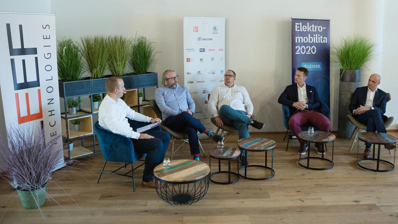 Vříjnu uspořádalo vydavatelství Economia vespolupráci sLeef Technologies již třetí ročník konference Elektromobilita.