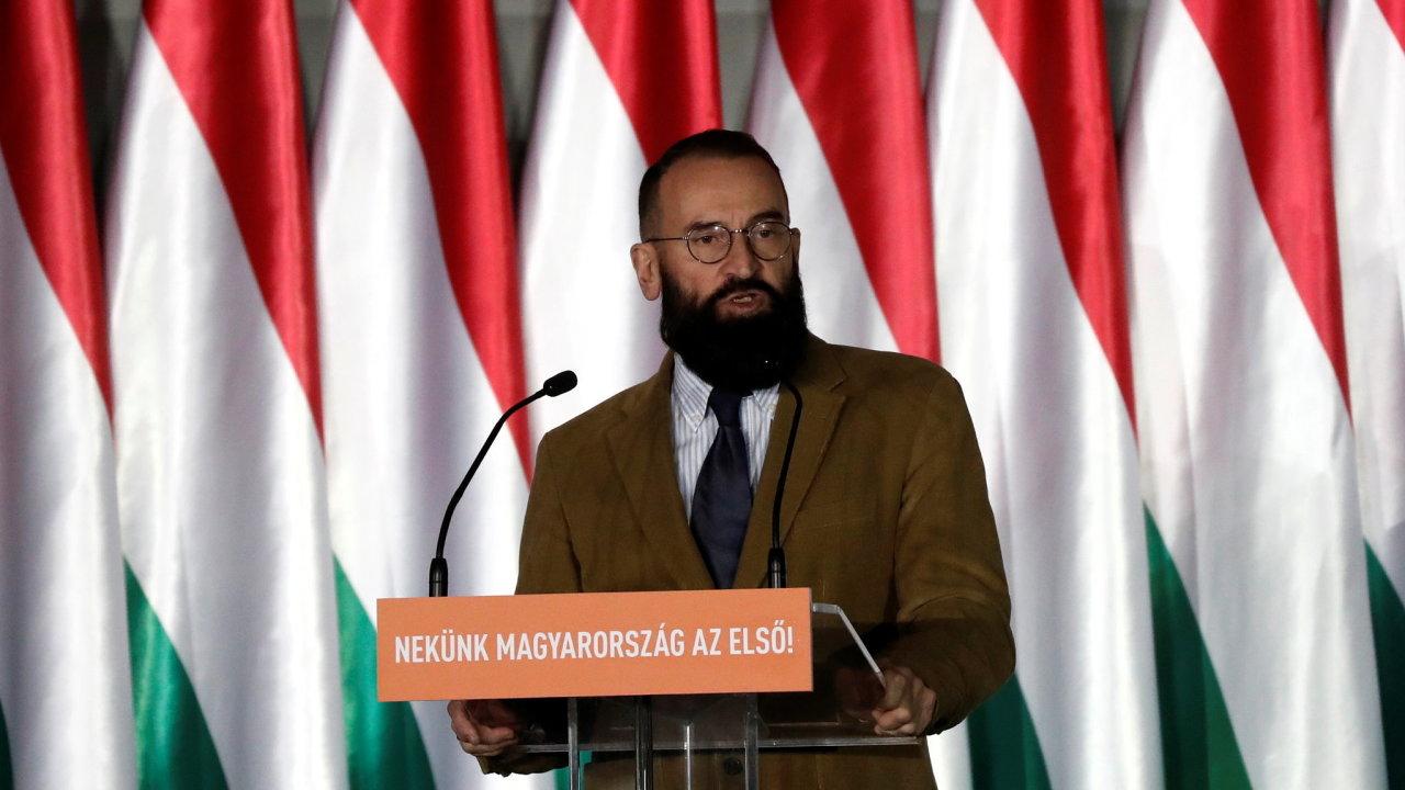 Dnes již bývalý maďarský europoslanec József Szájer používal se spolustraníky útoky proti menšinám jako politický nástroj.
