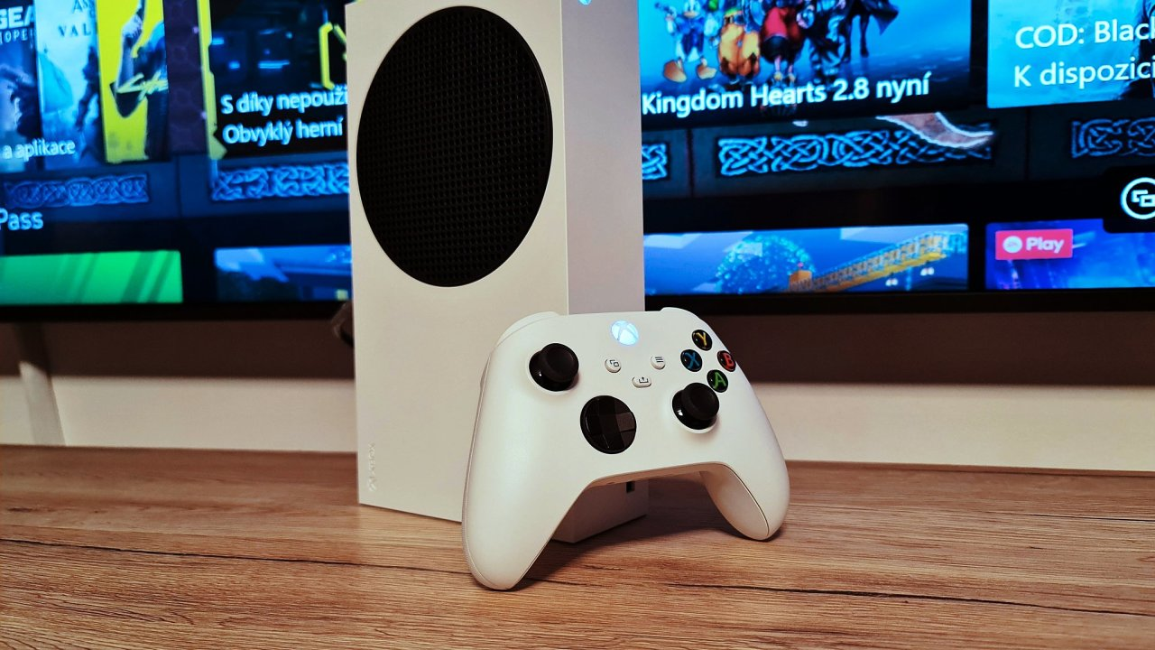 Xbox Series S na první pohled nevypadá jako vítěz, ale umí překvapipt