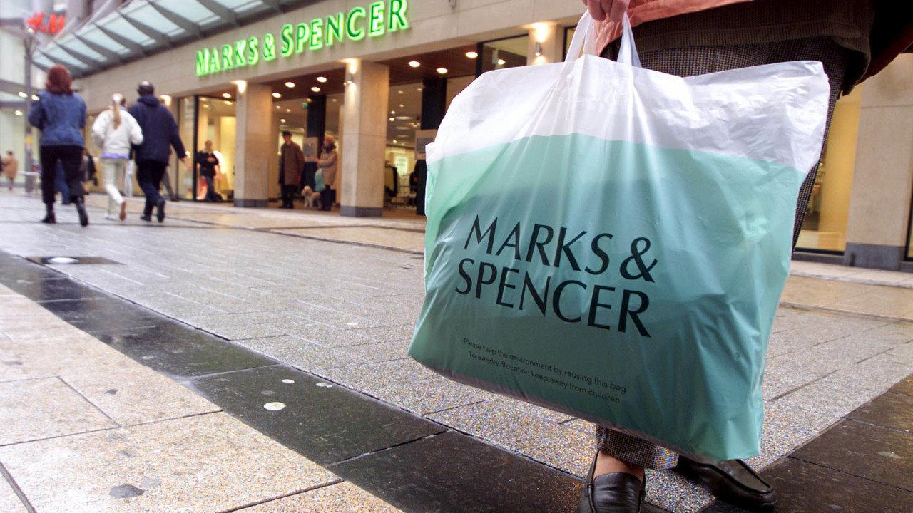 Dočasně zavřeno: Marks & Spencer odpátku uzavře všech 18 prodejen vČesku. Trápí ho váznoucí dodávky zboží zVelké Británie ituzemská protipandemická omezení.