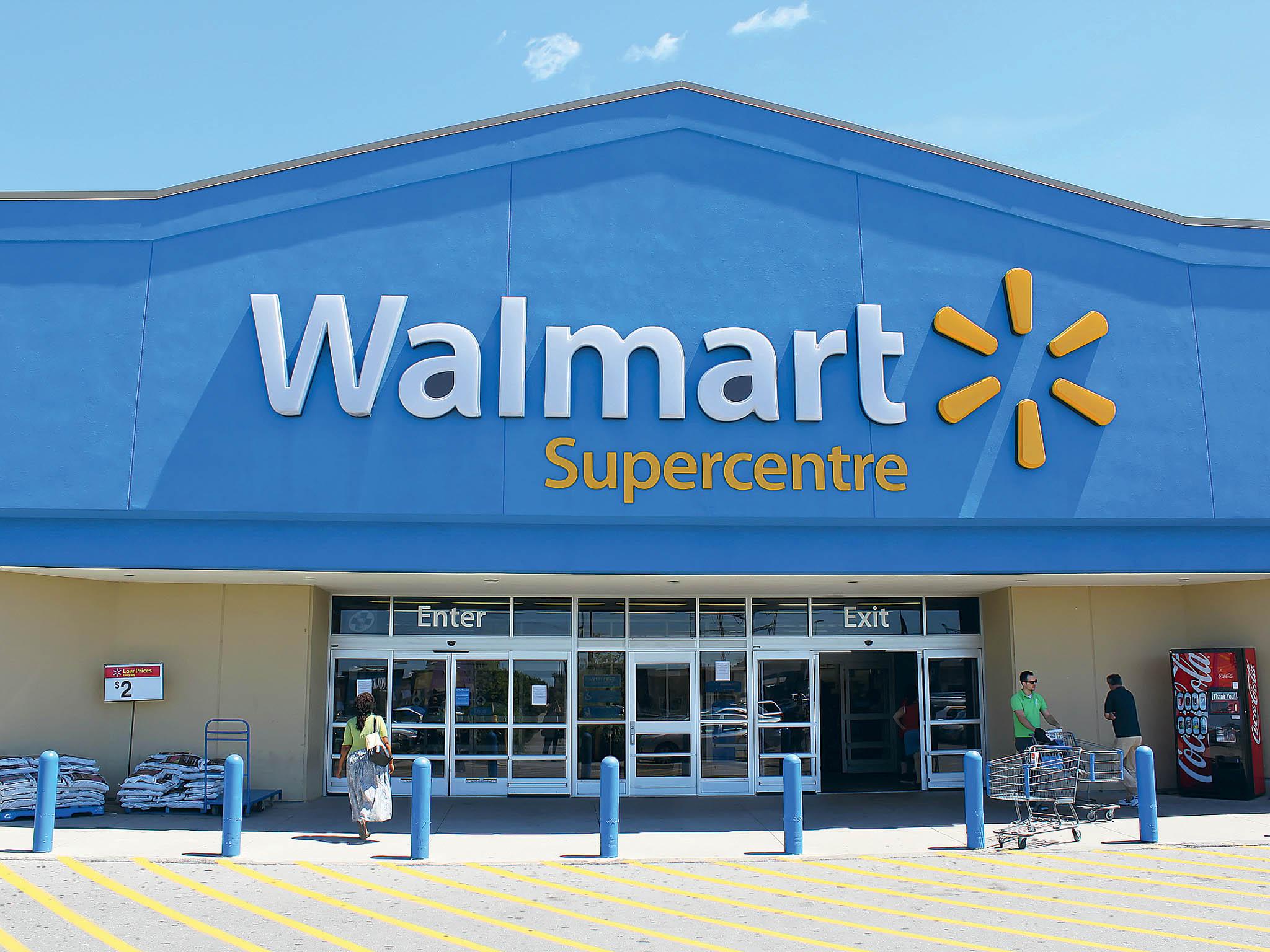 Walmartu se daří díky internetovému prodeji