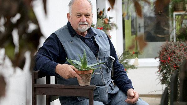 Biolog Pavel Valíček