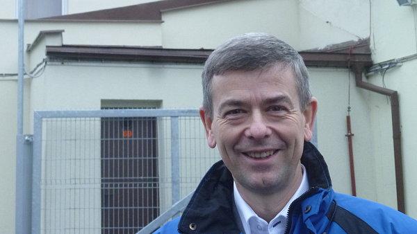 Ředitel karlovarského závodu Jan Becher Vladimír Darebník patří mezi dva vyvolené, kteří vědí, jak se dělá Becherovka.