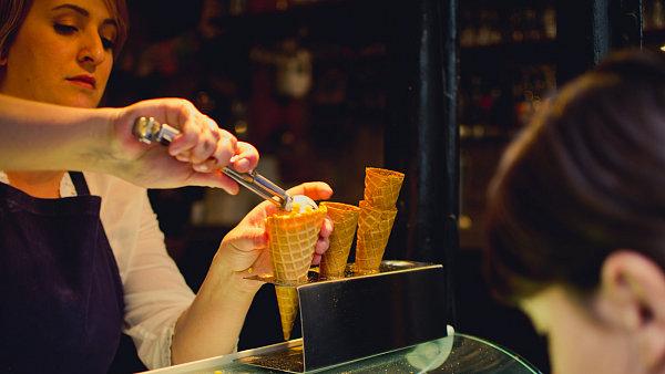 Synonymem pařížské zmrzliny je podnik Berthillon.