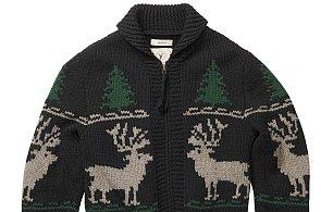 Jak se obléct na Štědrý večer? Zvolte oblek, nebo klidně svetr s jelenem