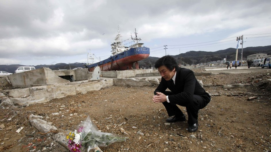 Celé Japonsko vzpomínalo na loňské ničivé zemětřesení