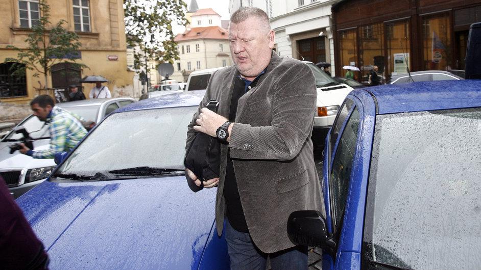 Ivo Rittig jde vypovídat v kauze Nagyová na ÚOOZ Na Perštýně.