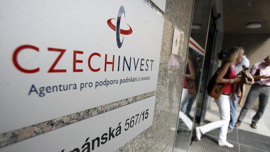 Budovu CzechInvestu obsadila policie.