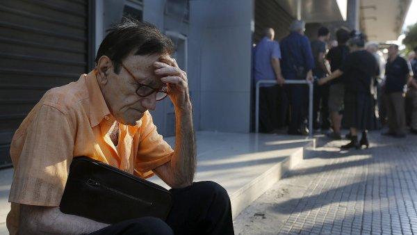 FOTO: Rozhodnut� �eck� vl�dy vyvolalo vztek i smutek, lid� se do�aduj� pen�z