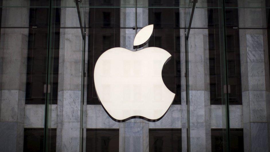 Hodnota Apple klesla o 100 miliard dolarů.