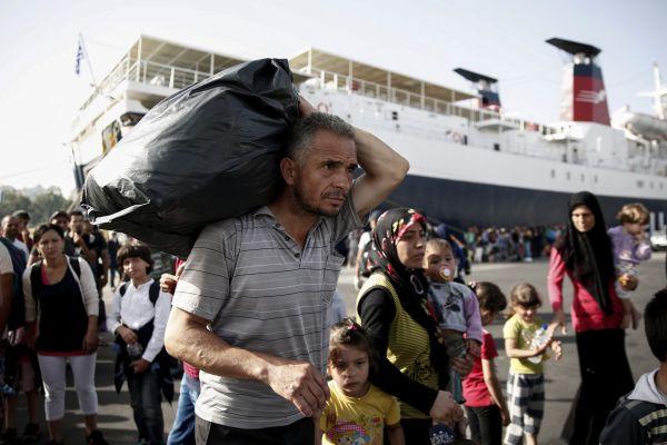 Uprchlíci v Athénském přístavu Piraeus