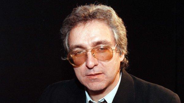 Filmový a literární kritik a publicista Jiří Cieslar na snímku z roku 1998, kdy přebral Cenu F.X. Šaldy.